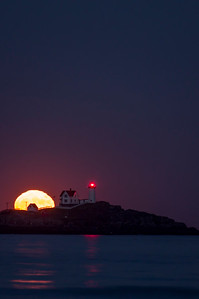 "November 2016 Super ""Super Moon"", Nubble Light, York, Maine 1"