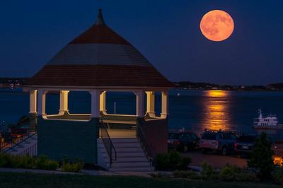 2015 Blue Moon Rise, East End, Portland, Maine 2