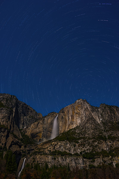 Star-Trails-Over-Yosemite-Falls_D812670-Yosemite-National-Park-Night-Photography-California-Dusk-Healthcare-Fine-Art-Photography-tranquil-stilllife