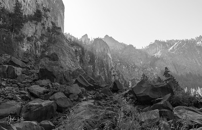 Cliffs around Bridalveil Falls