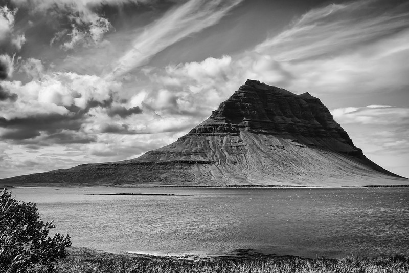 'Hat' mountain - Iceland