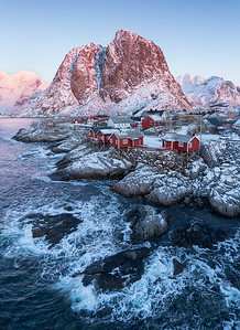 Suny winter day at Hamnoy