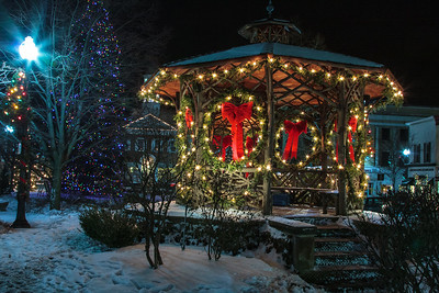 Chagrin Falls Christmas Lights (2012-12-22)