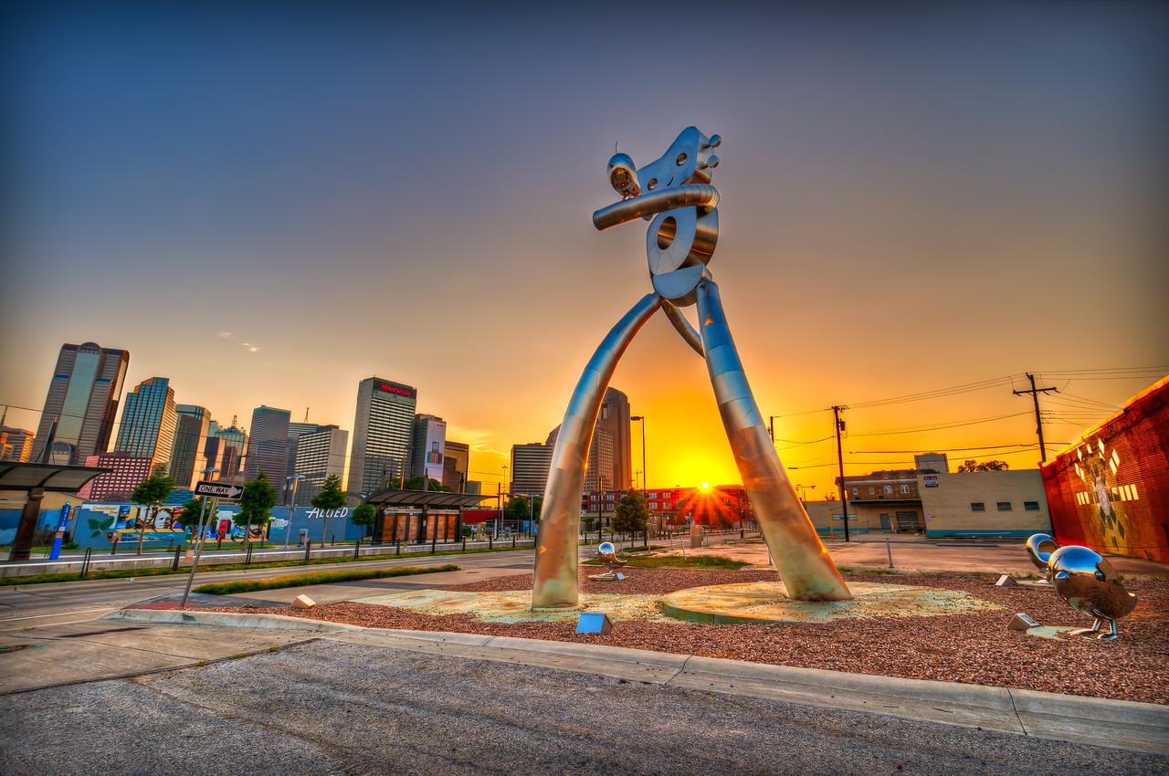 The Travelling Man in Dallas' Deep Ellem