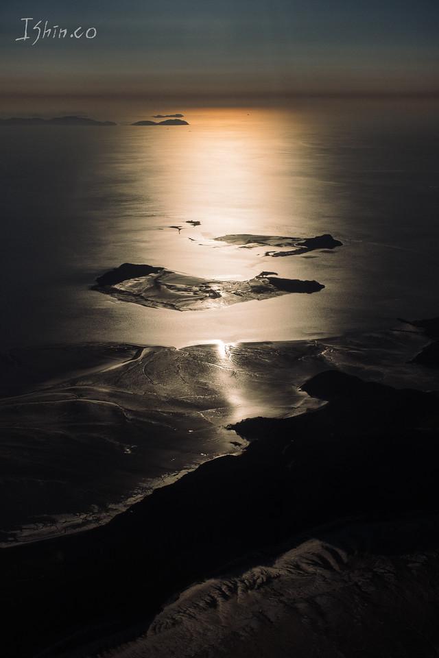 일몰 그리고 공허 #일몰 #바다 #인천 #비행기 #섬 #어두움 #겨울 #갯벌 #sea #sunset