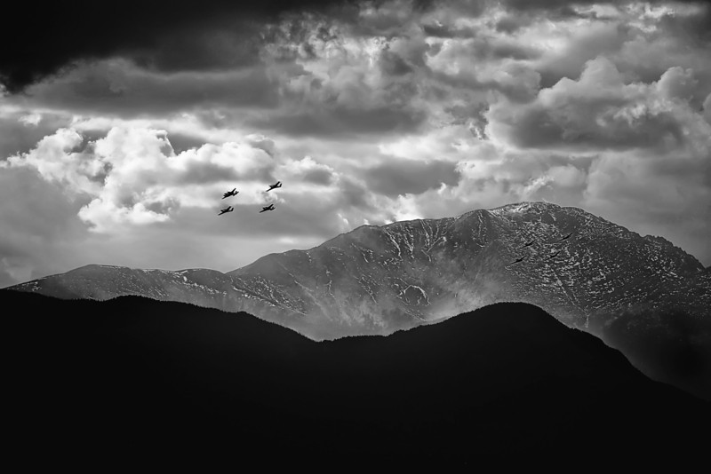 20x30Bonanzas over Pikes Peak noiseless (1)