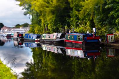 312/365 - House Boats