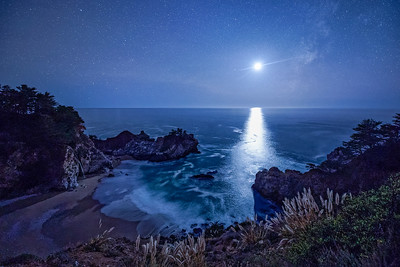 Moonset at McWay Cove