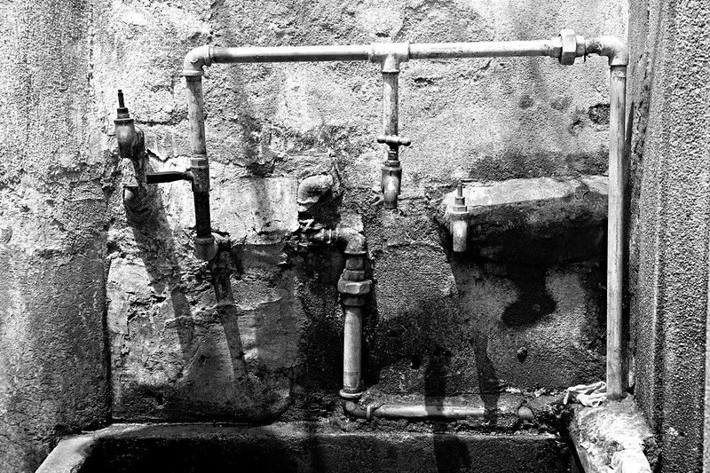 52) Pipes