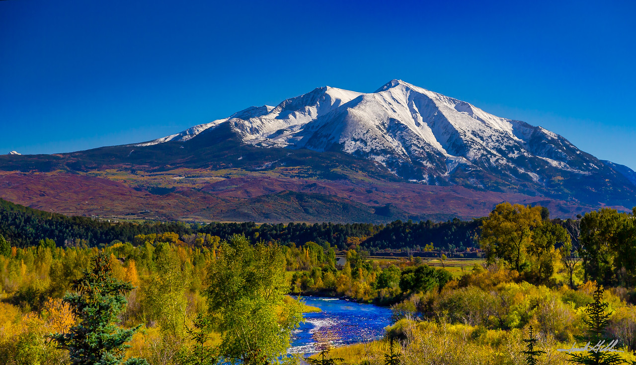Iconic view of Mount Sopris