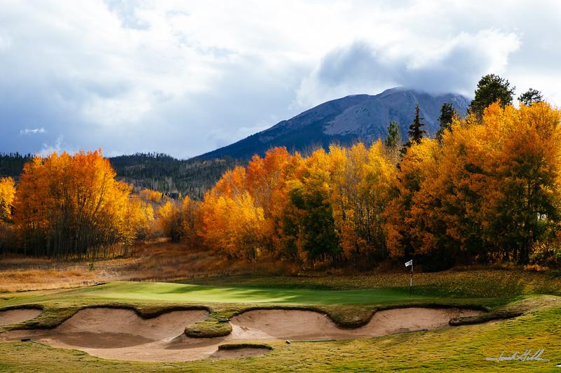 Golf. fall colors aand Buffalo Mountain