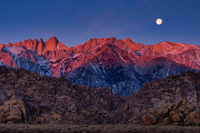 Moonset at Sunrise, Alabama Hills, Eastern Sierra, California