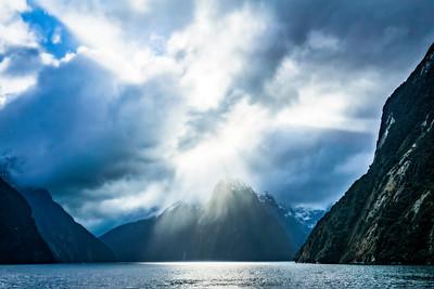 Sun Beams, Milford Sound