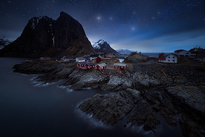 Hamnoy under Starlight