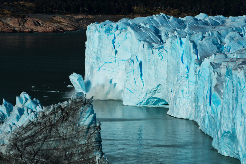 Calving Ice, Moreno Glacier