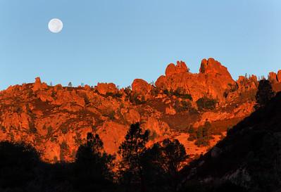 Moonset at Sunrise, High Peaks, Pinnacles National Park