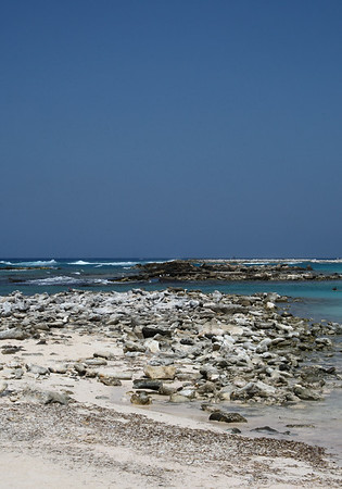 IMG#8963 Aruba's western end rockiness-2009