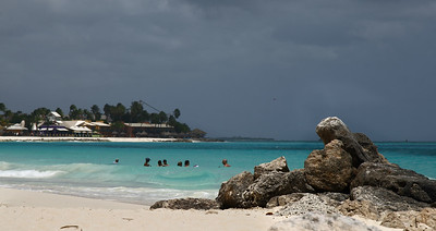 "IMG#1066 ""Sun bathers"" welcome at Casa del Mar, Aruba 2010"