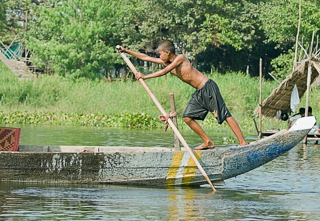 5) Boy on Canoe_V5T9516