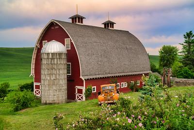 Barn Near Colfax
