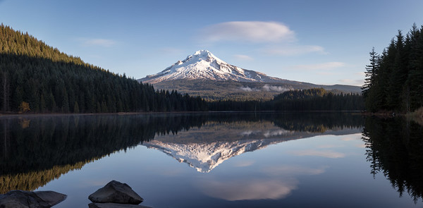 Dawn at Trillium Lake