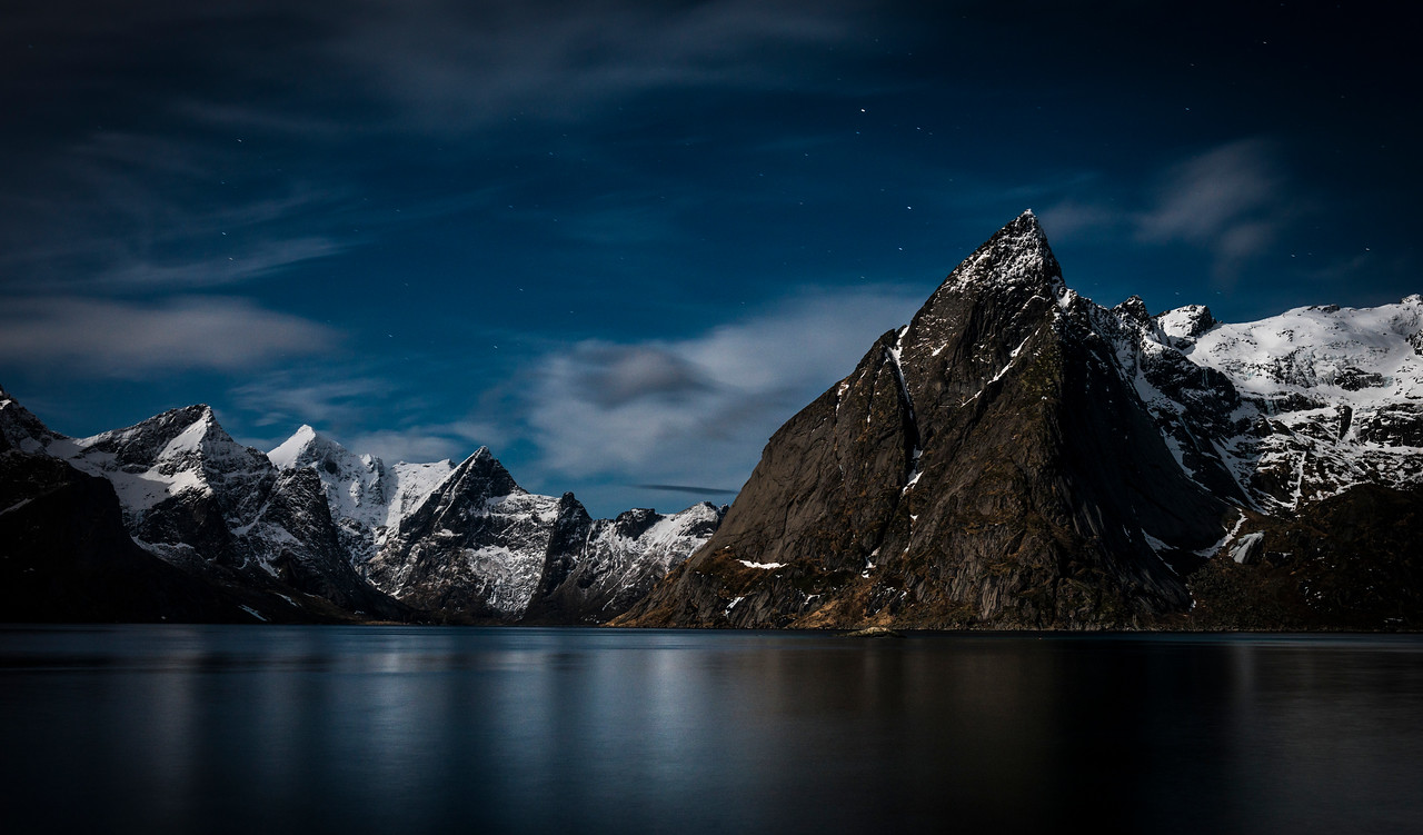 a rorbu with a view | lofoten islands, norway