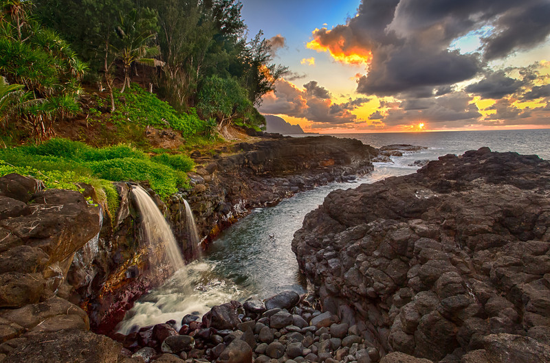 Day is Done!<br /> Queens Bath @ Sunset - HDR<br /> Queens Bath, Princeville, Kauai, Hi<br /> August 2012
