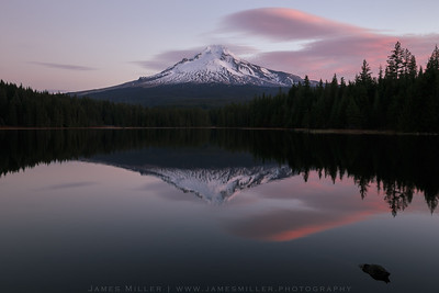 Sunrise at Trillium Lake