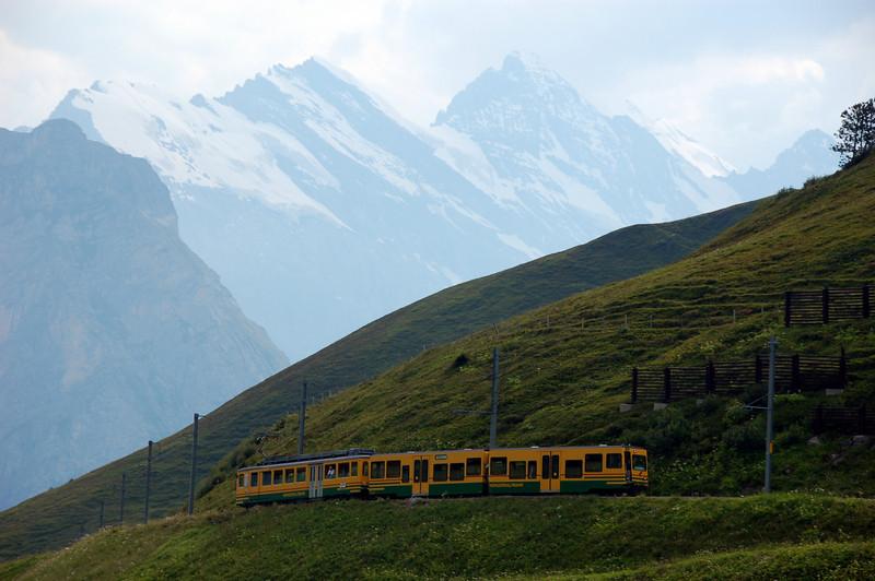 Train going to Lauterbrunnen