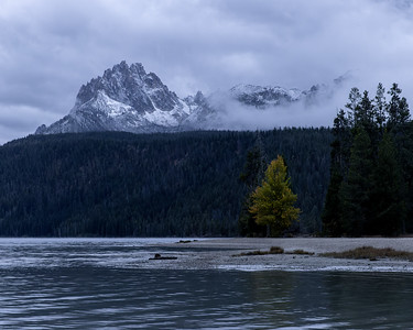 First sign of Fall in the Sawtooth Mountains