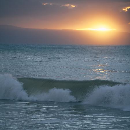 Wave. Maui, Hawaii.