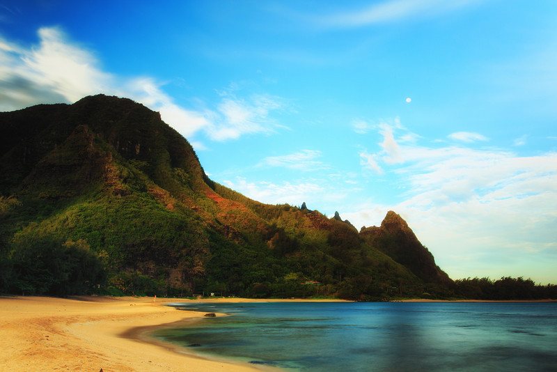 Full Moon at Sunrise<br /> Tunnels Beach, Kauai, Hi