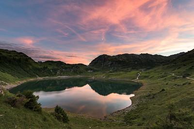Formalinsee mit Freiburger-Hütte, Dalaas, Arlberg, Österreich