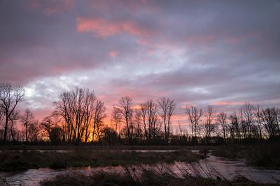 Sonnenaufgang an der Wertach bei Göggingen, Augsburg, Schwaben, Bayern, Deutschland