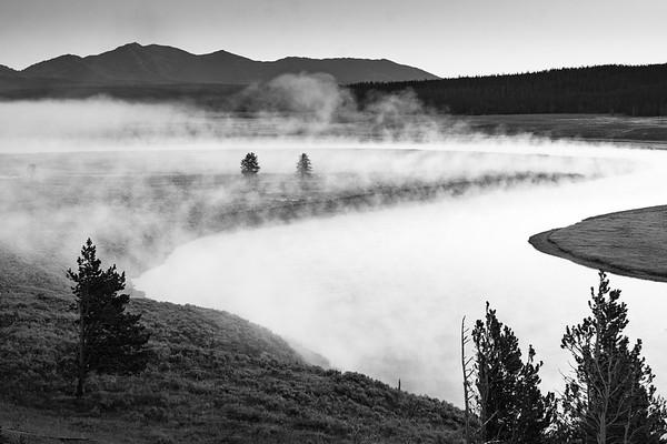 Early morning in Hayden Valley