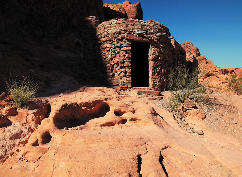 Cabins - These three tiny stone cabins were built by the CCC back in 1935 to house the workers who were then building the Valley of Fire State Park (This was to be Nevada's first State Park which opened in 1936). After which they were used by park visitors, and the occasional pack rat.
