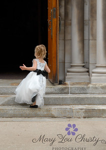 Little flower girl, great big church.