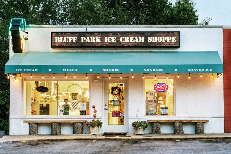 Ice Cream shoppe in bluff park!