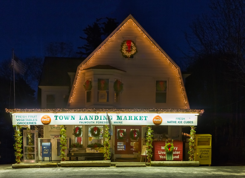 Town Landing Market at Christmas