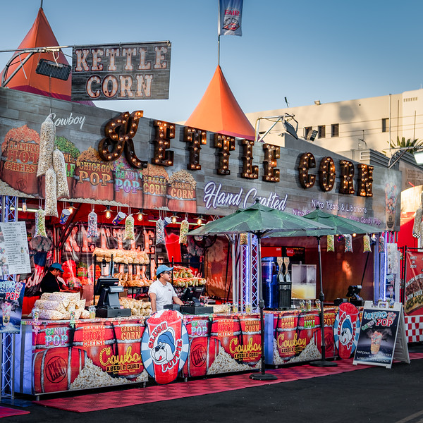 Waiting for the evening crowds; the Kettle Corn stall