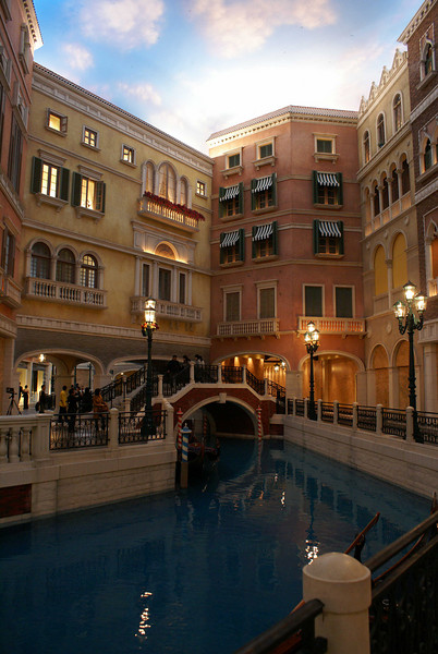 CASINO. THE VENETIAN MACAO. GRAND CANAL.