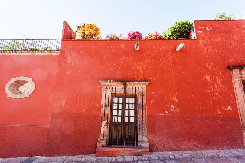 SAN MIGUEL DE ALLENDE. RED HOUSE.
