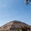 MEXICO. TEOTIHUACAN. PYRAMID OF THE SUN - PIRAMIDE DEL SOL.
