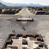 MEXICO. TEOTIHUACAN. PLAZA DE LA LUNA SQUARE AND THE PYRAMID OF THE SUN - PIRAMIDE DEL SOL.