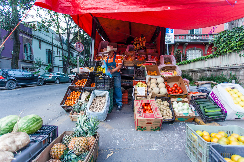 MEXICO CITY. LA CONDESA. FRUIT SELLER.