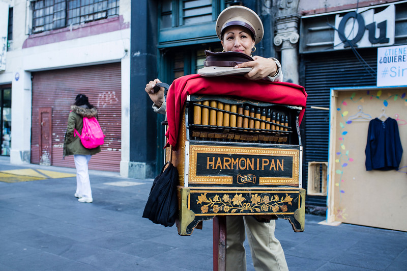 MEXICO CITY. MEXICO. STREET ORGAN PLAYER. [4]
