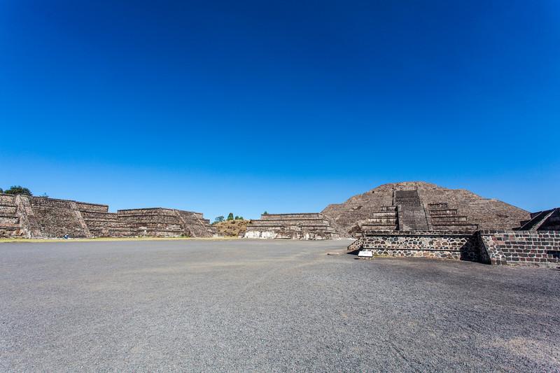 MEXICO. TEOTIHUACAN. PYRAMID OF THE MOON - PIRAMIDE DE LA LUNA - PLAZA DE LA LUNA.