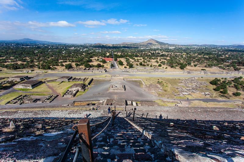 MEXICO. TEOTIHUACAN. AVENUE OF THE DEAD. CALZADA DE LOS MUERTOS.