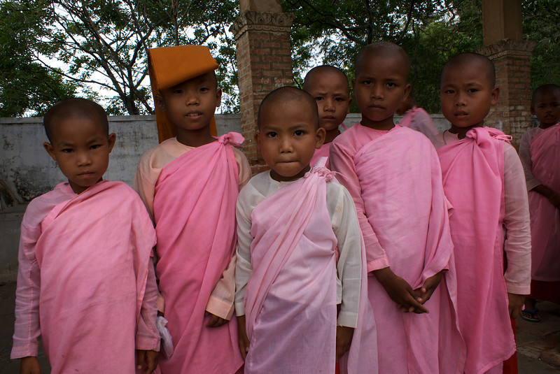 SAGAING. SAGAING HILL. LITTLE BURMESE NUNS. MANDALAY DIVISION. MYANMAR. BURMA.