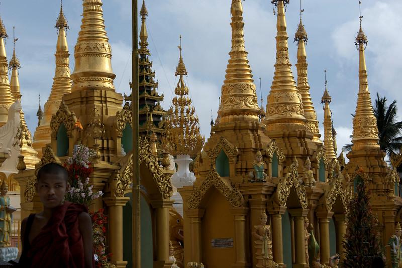 YANGON. RANGOON.SHWEDAGON PAGODA. BURMA. MYANMAR.